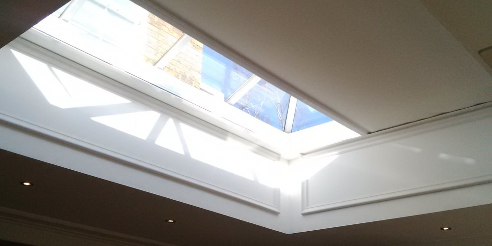 Shy Zip Electric Roof Blind Closing